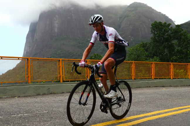 El británico Chris Froom entrenando en Rio de Janeiro días antes de los Juegos. (Foto: Getty Images/Ezra Shaw)