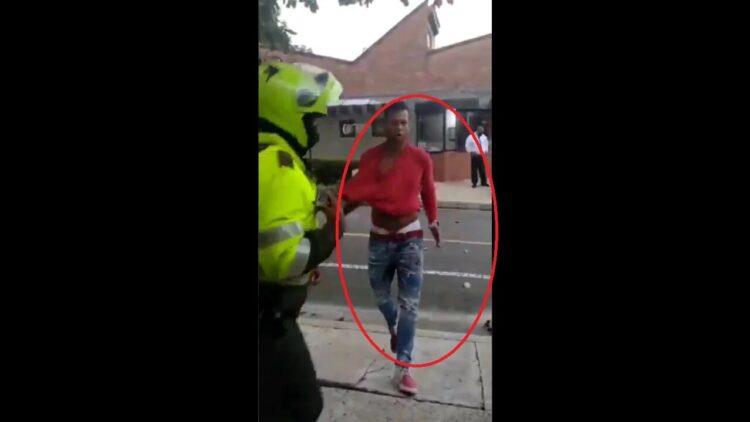 Guarín fue detenido por agredir, al parecer, a su propio padre y un patrullero de la policía